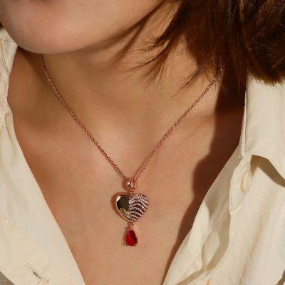 胸骨のハートネックレス